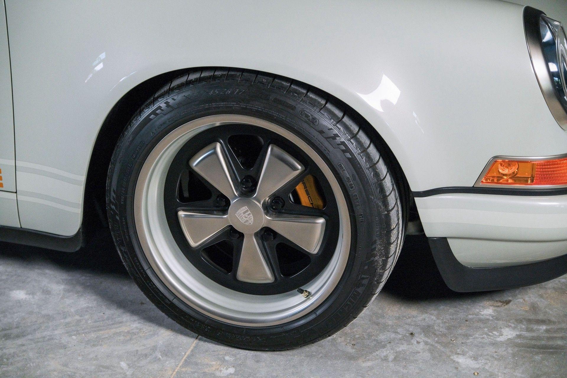 1989_Porsche_911_Reimagined_by_Singer-0055