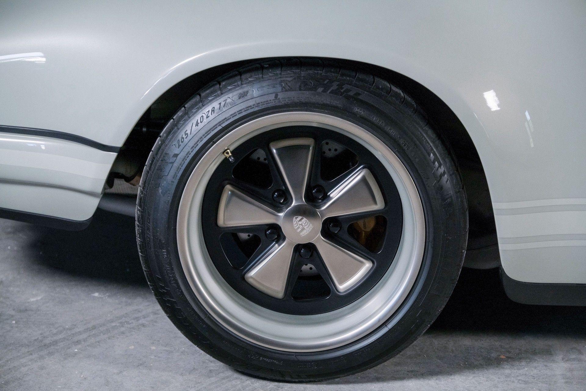 1989_Porsche_911_Reimagined_by_Singer-0062