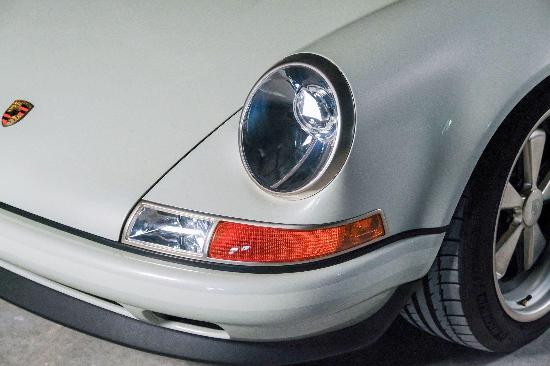 1989_Porsche_911_Reimagined_by_Singer-0068