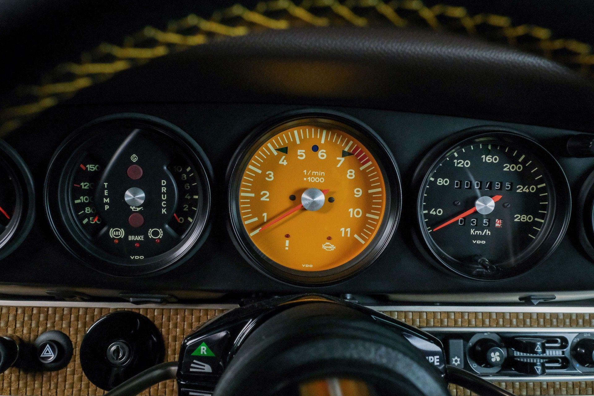 1989_Porsche_911_Reimagined_by_Singer-0080