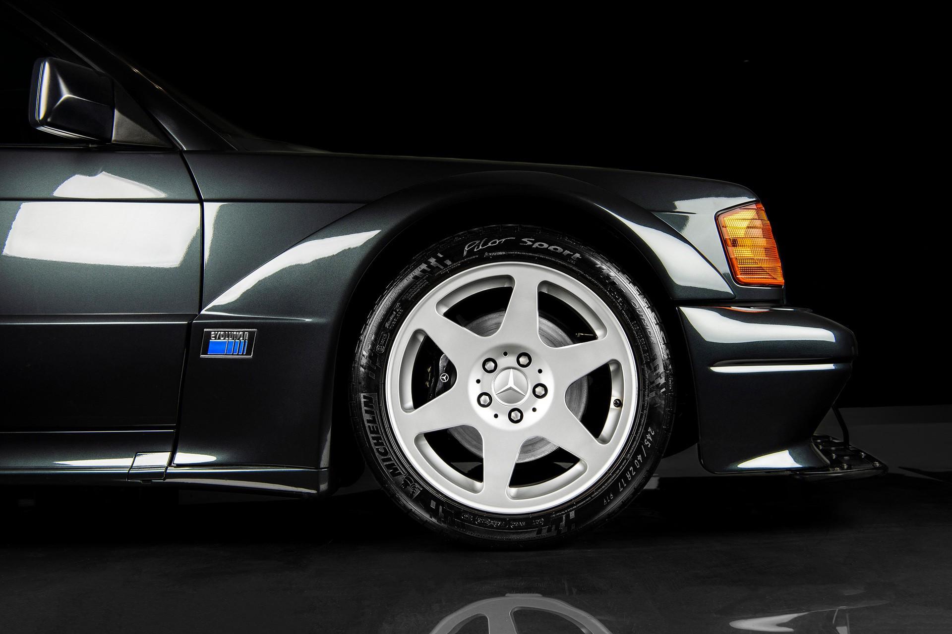 1990_Mercedes_Benz_190E_25-16_Evolution_II_sales_0013