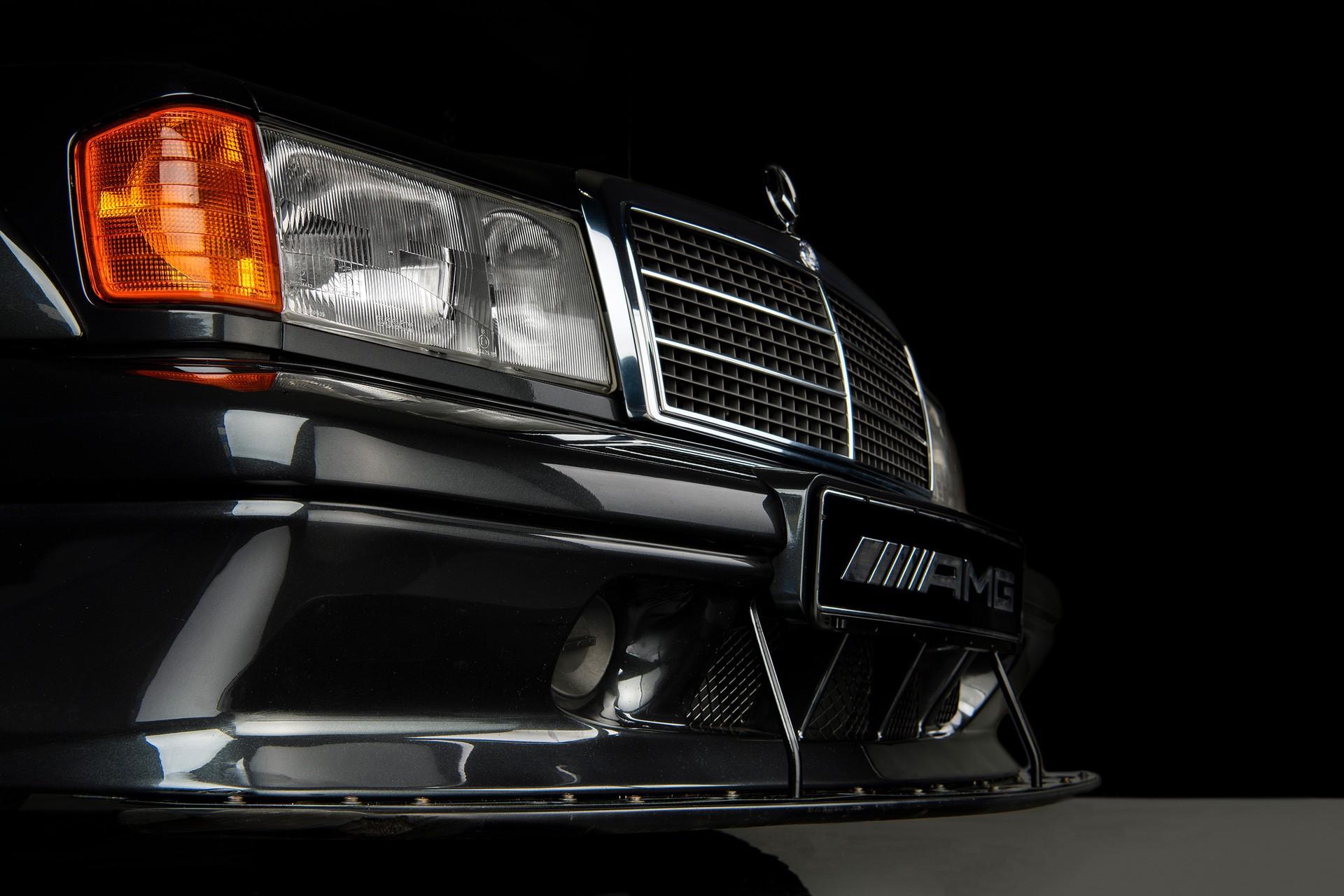 1990_Mercedes_Benz_190E_25-16_Evolution_II_sales_0017