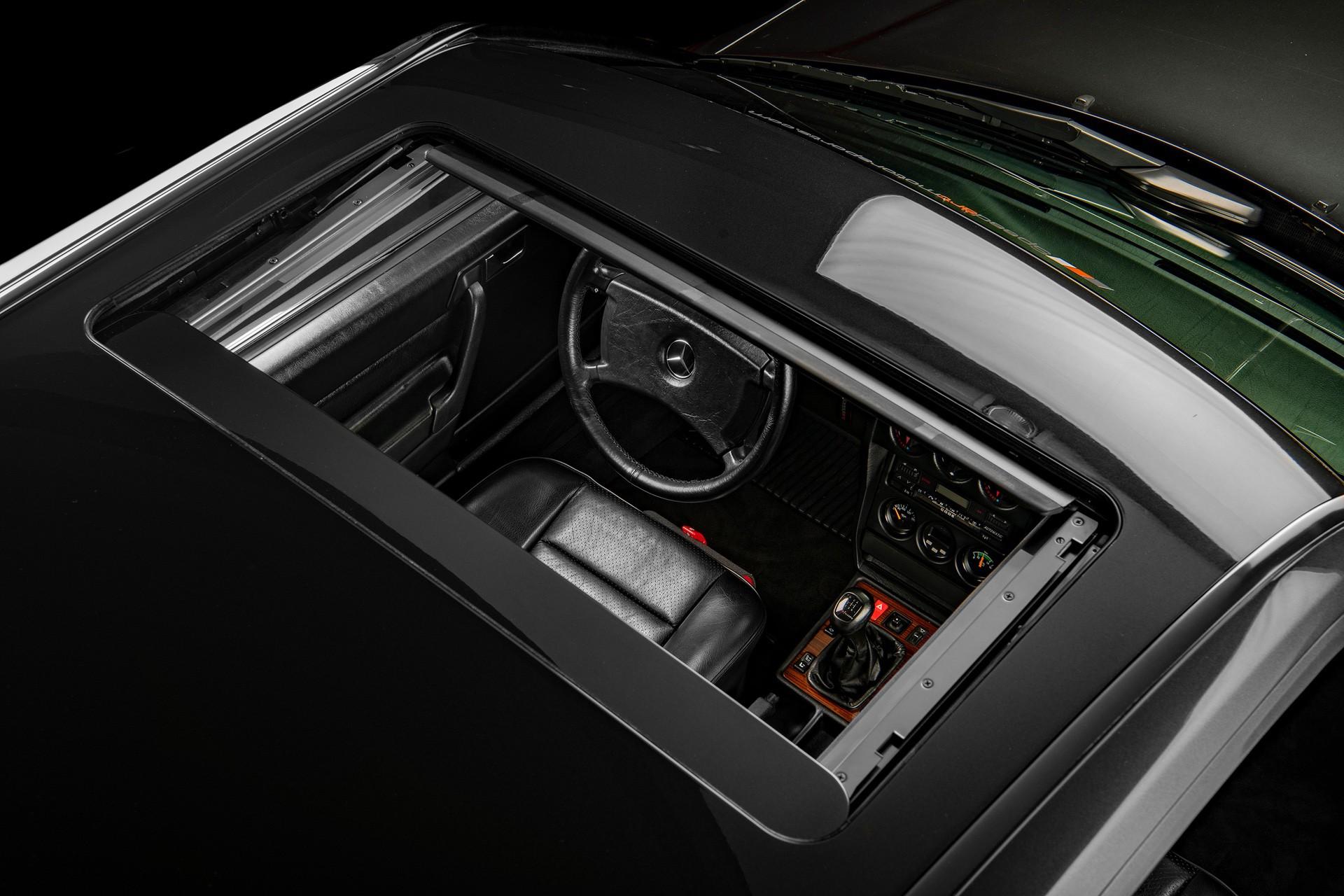 1990_Mercedes_Benz_190E_25-16_Evolution_II_sales_0029