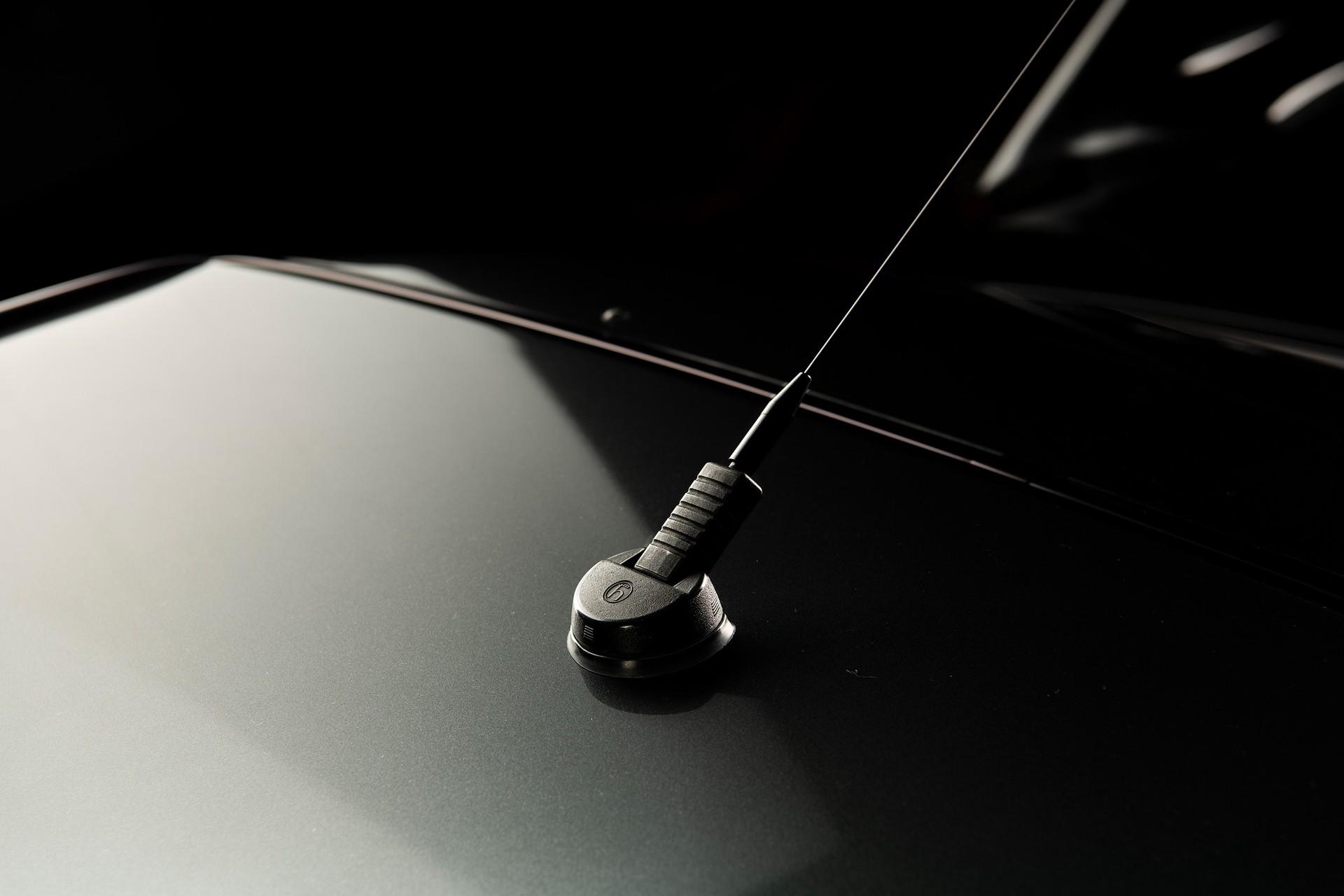 1990_Mercedes_Benz_190E_25-16_Evolution_II_sales_0034