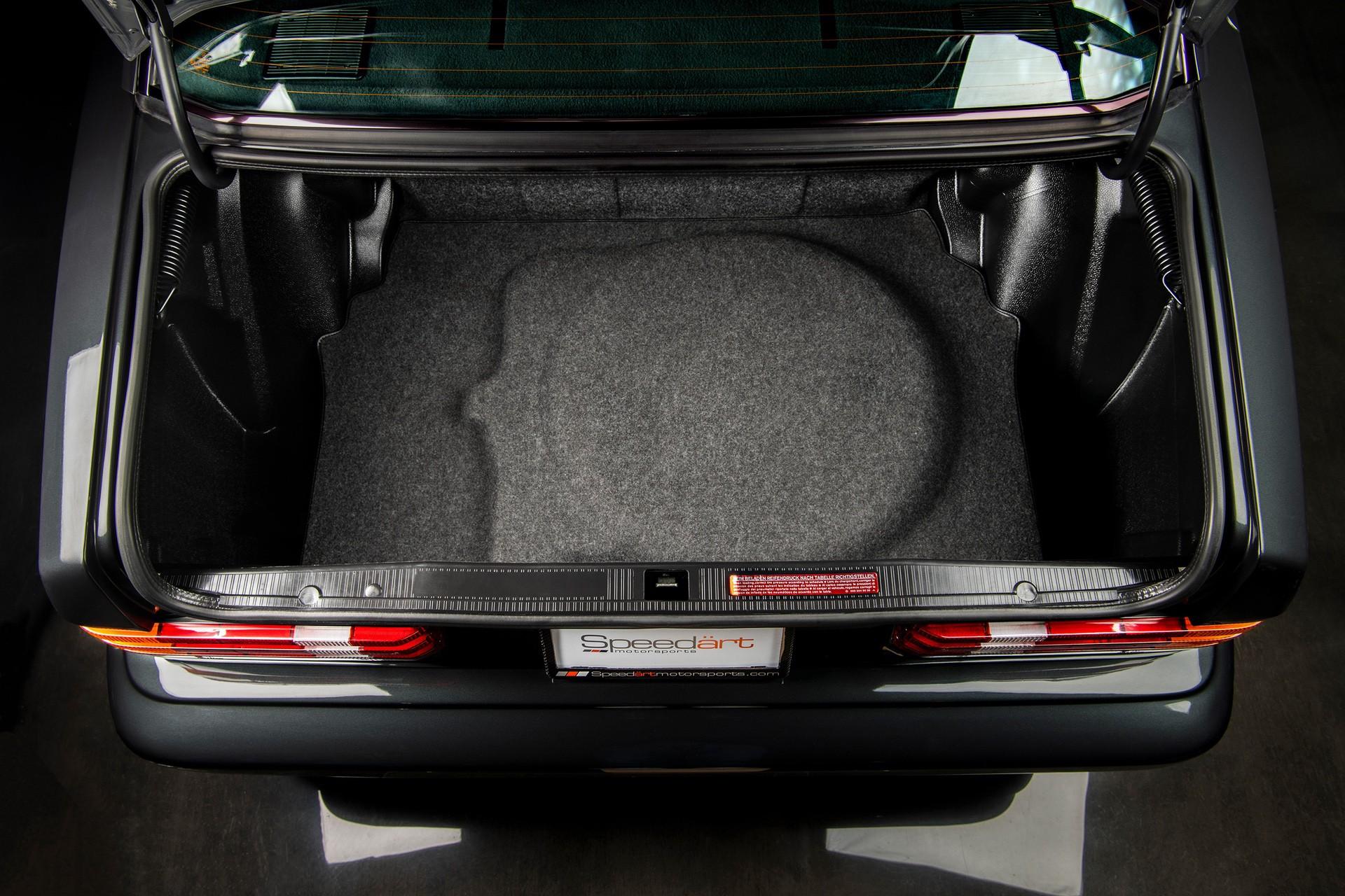1990_Mercedes_Benz_190E_25-16_Evolution_II_sales_0035