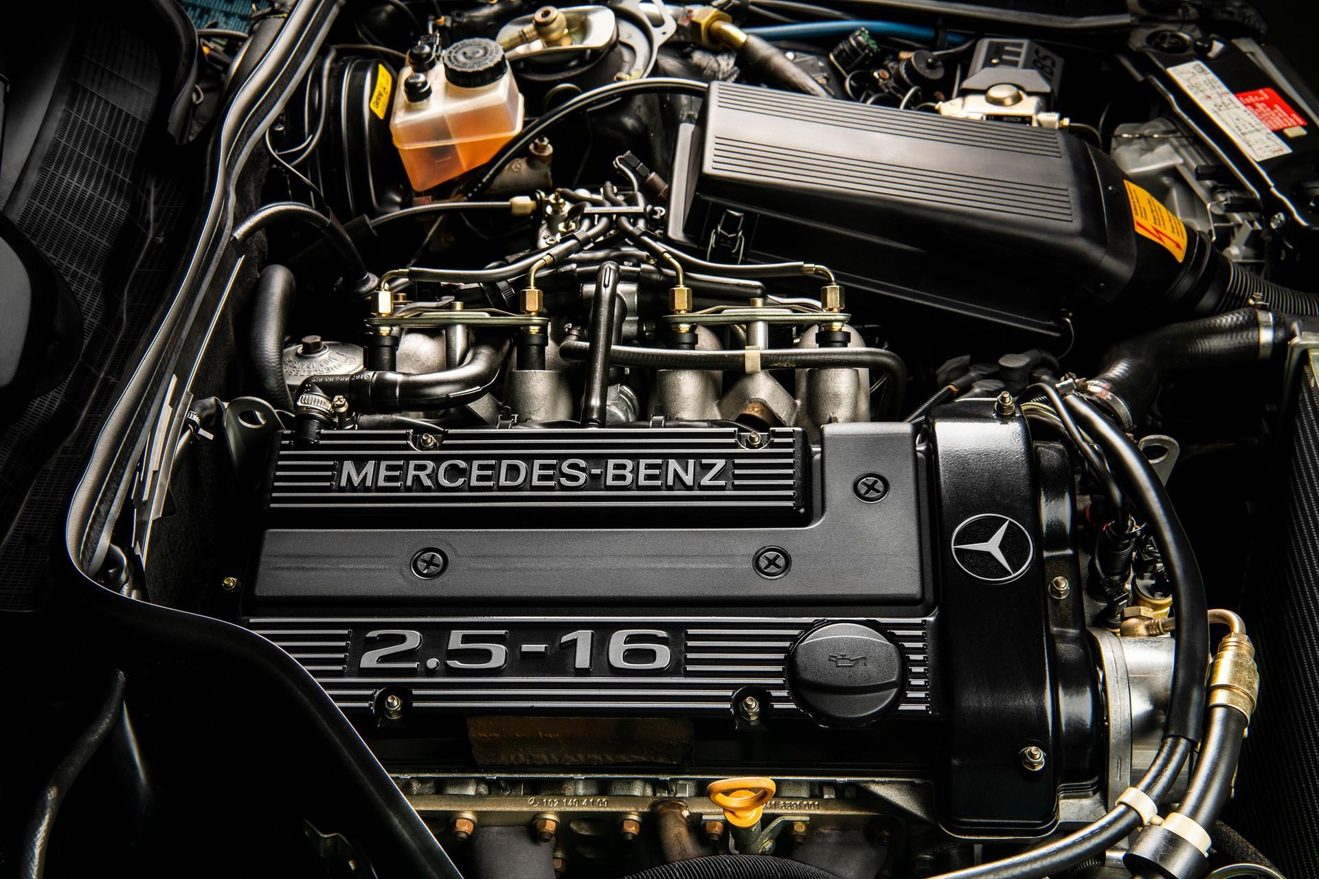 1990_Mercedes_Benz_190E_25-16_Evolution_II_sales_0038