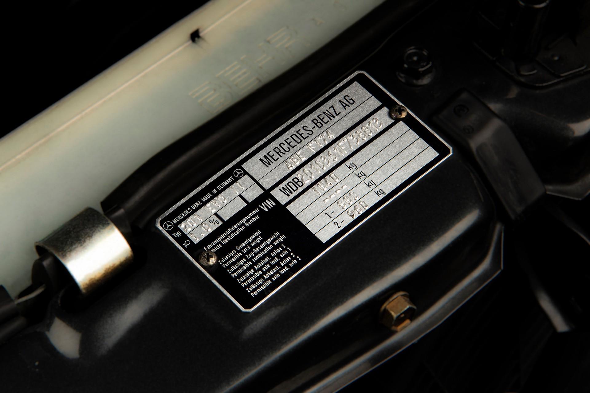 1990_Mercedes_Benz_190E_25-16_Evolution_II_sales_0044