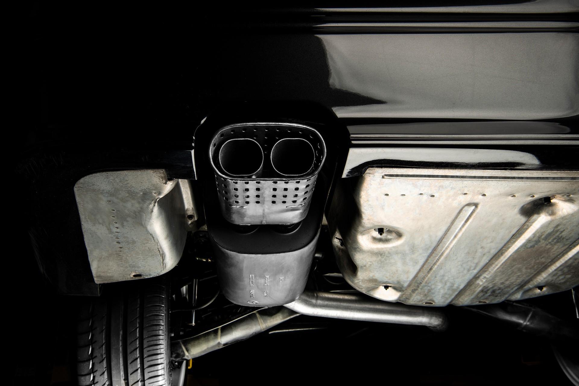 1990_Mercedes_Benz_190E_25-16_Evolution_II_sales_0050