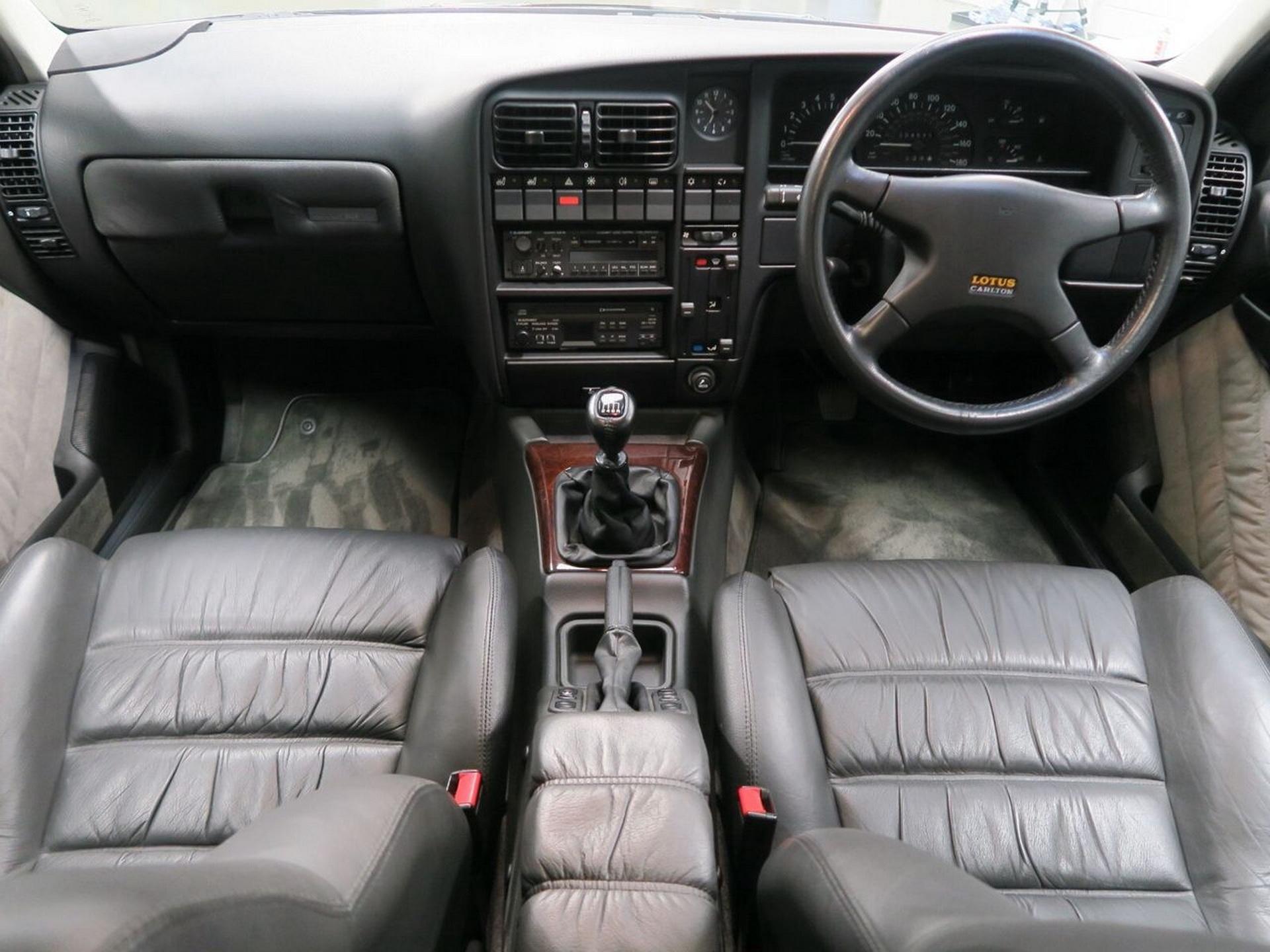 1991-Lotus-Carlton-11