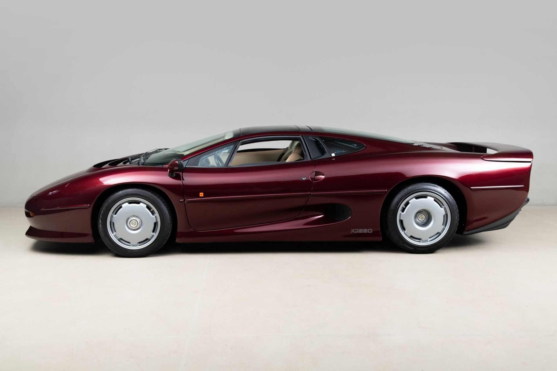 1993_Jaguar_XJ220_sale-0001