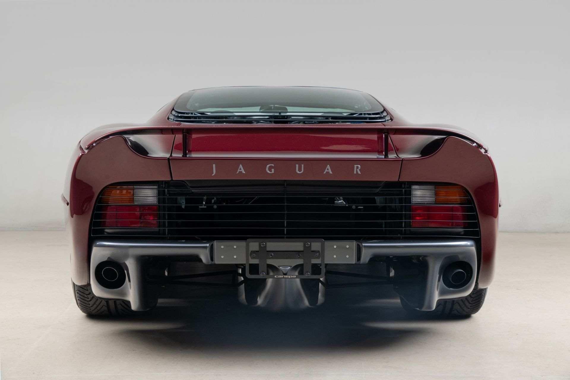 1993_Jaguar_XJ220_sale-0004
