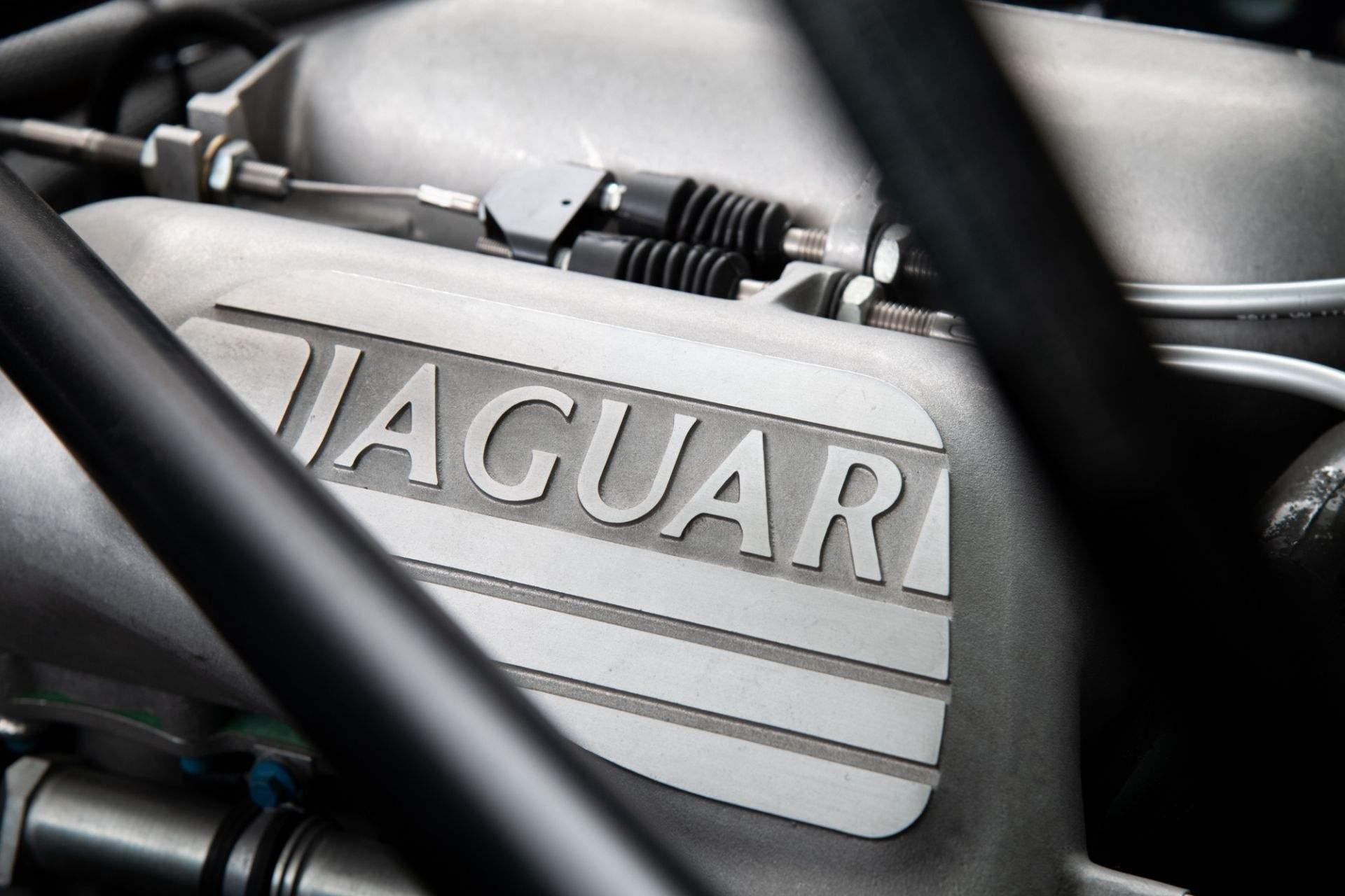 1993_Jaguar_XJ220_sale-0012