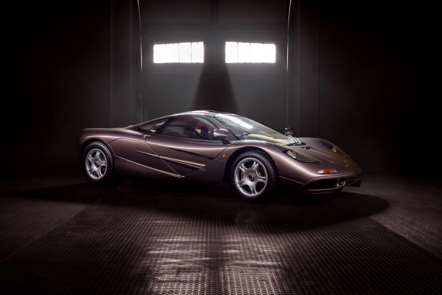 1995_McLaren_F1_original_sale-0001