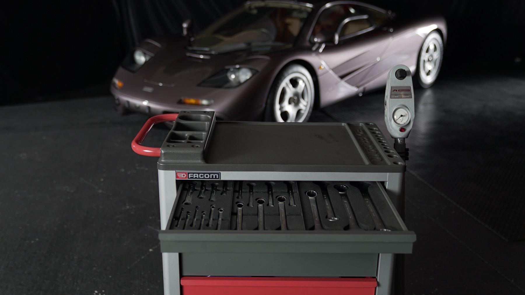 1995_McLaren_F1_original_sale-0015