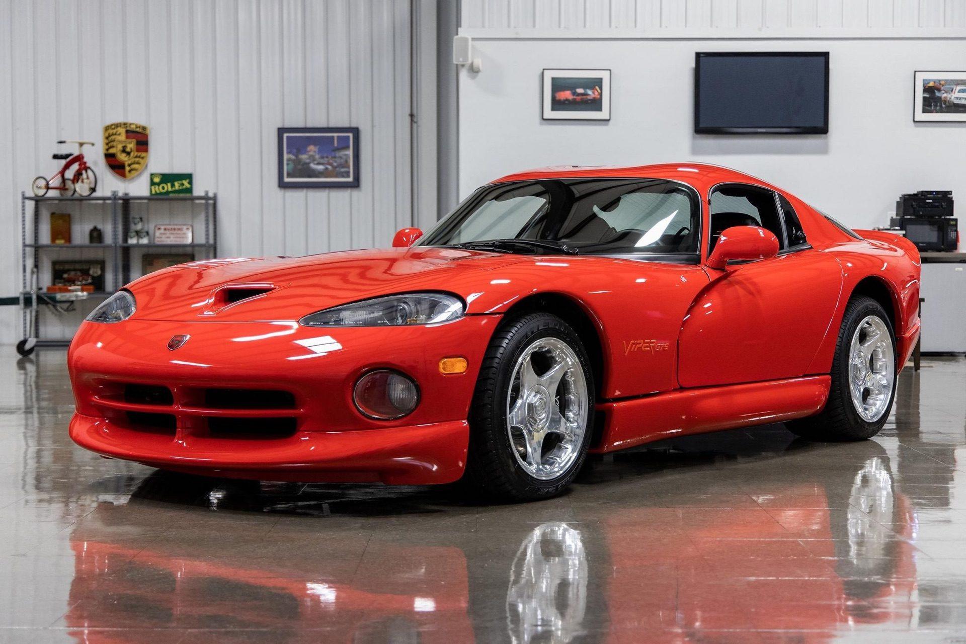 1997–Dodge_Viper_GTS_sale_0000