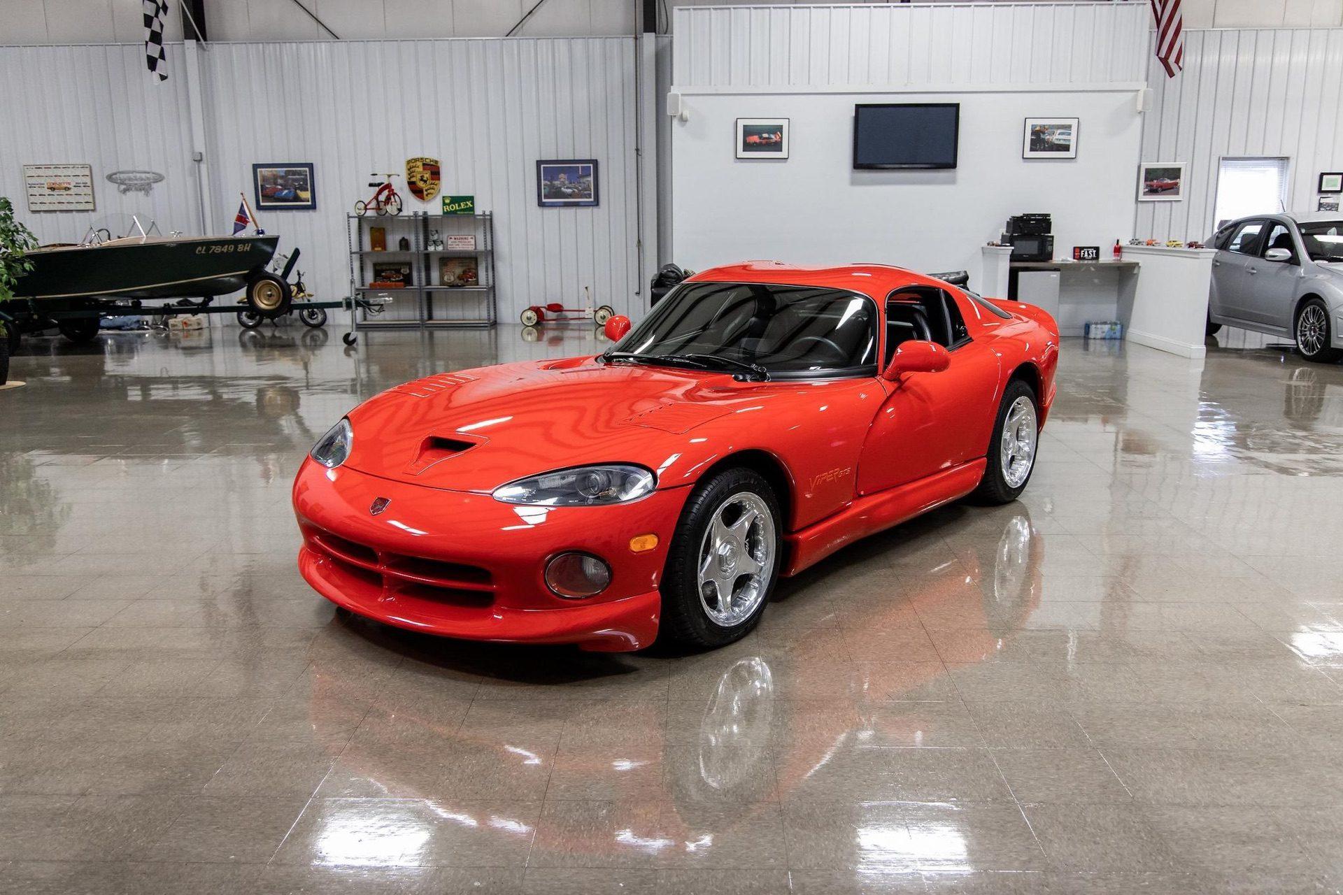 1997–Dodge_Viper_GTS_sale_0003