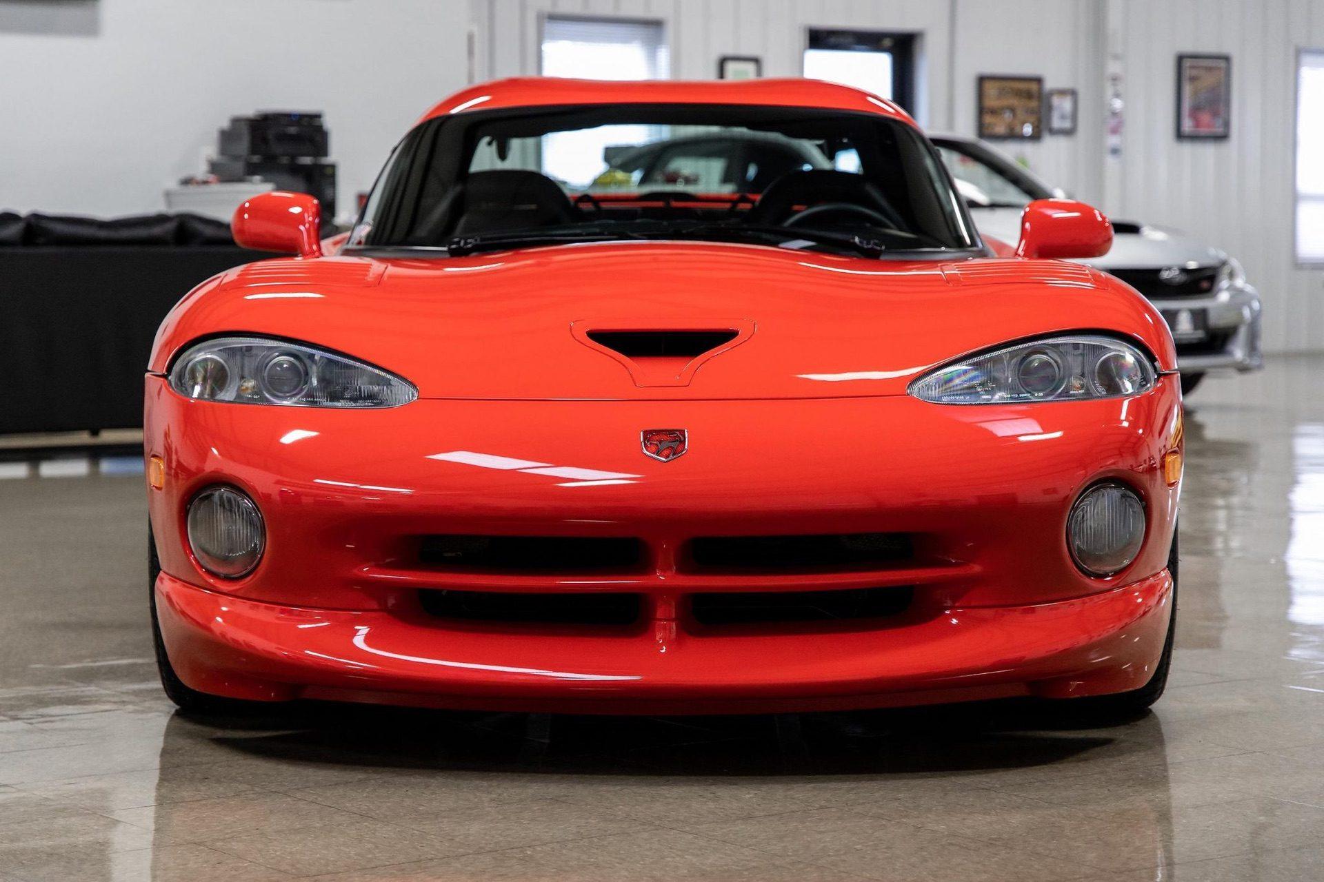 1997–Dodge_Viper_GTS_sale_0014