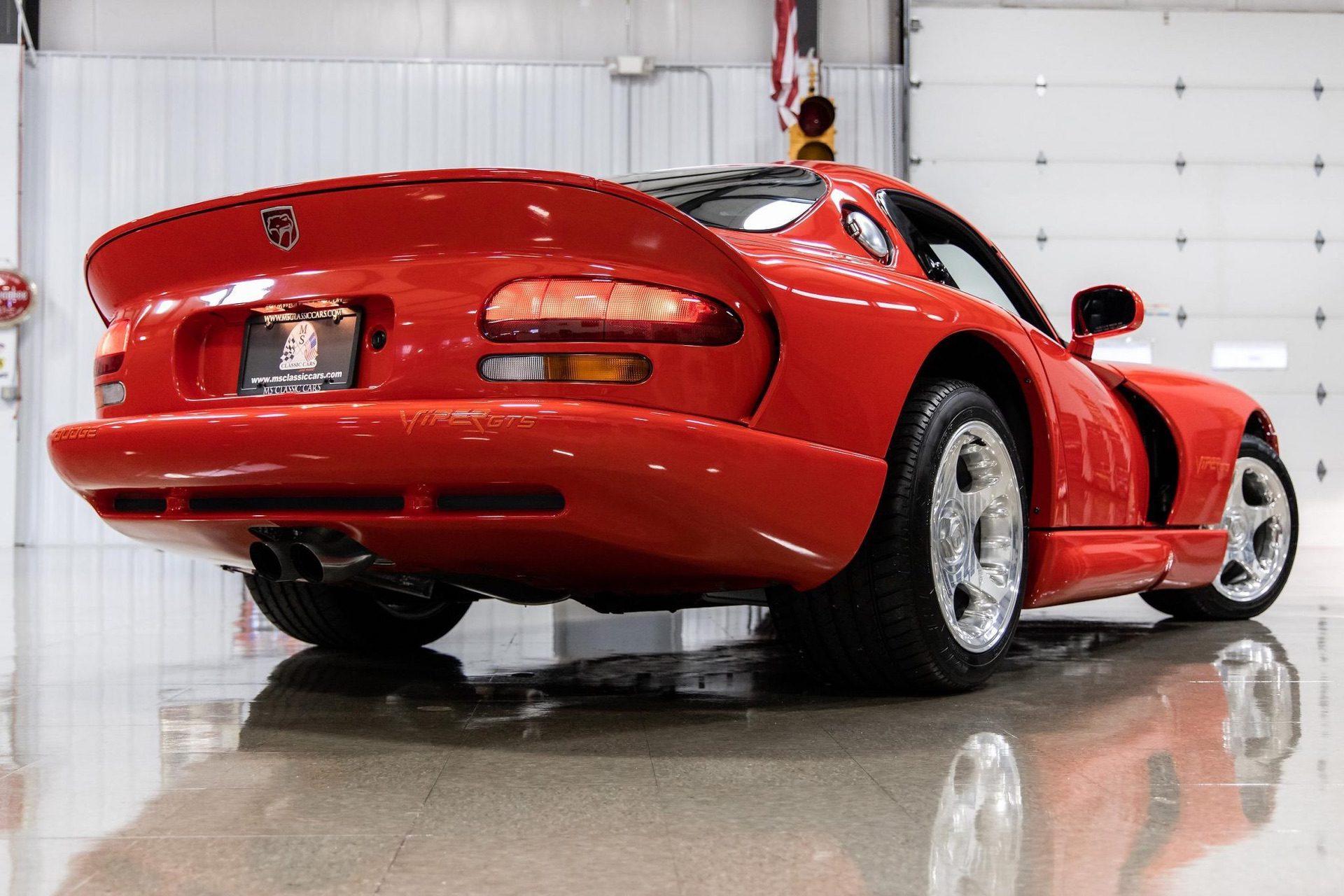 1997–Dodge_Viper_GTS_sale_0016