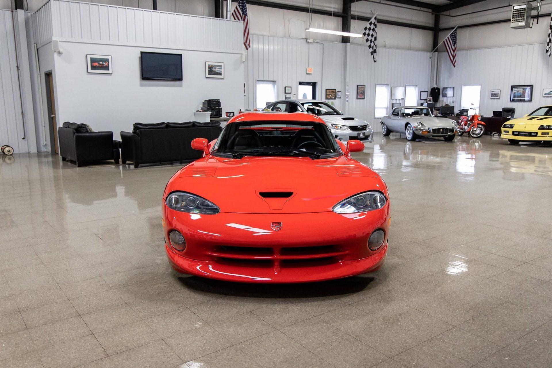 1997–Dodge_Viper_GTS_sale_0018
