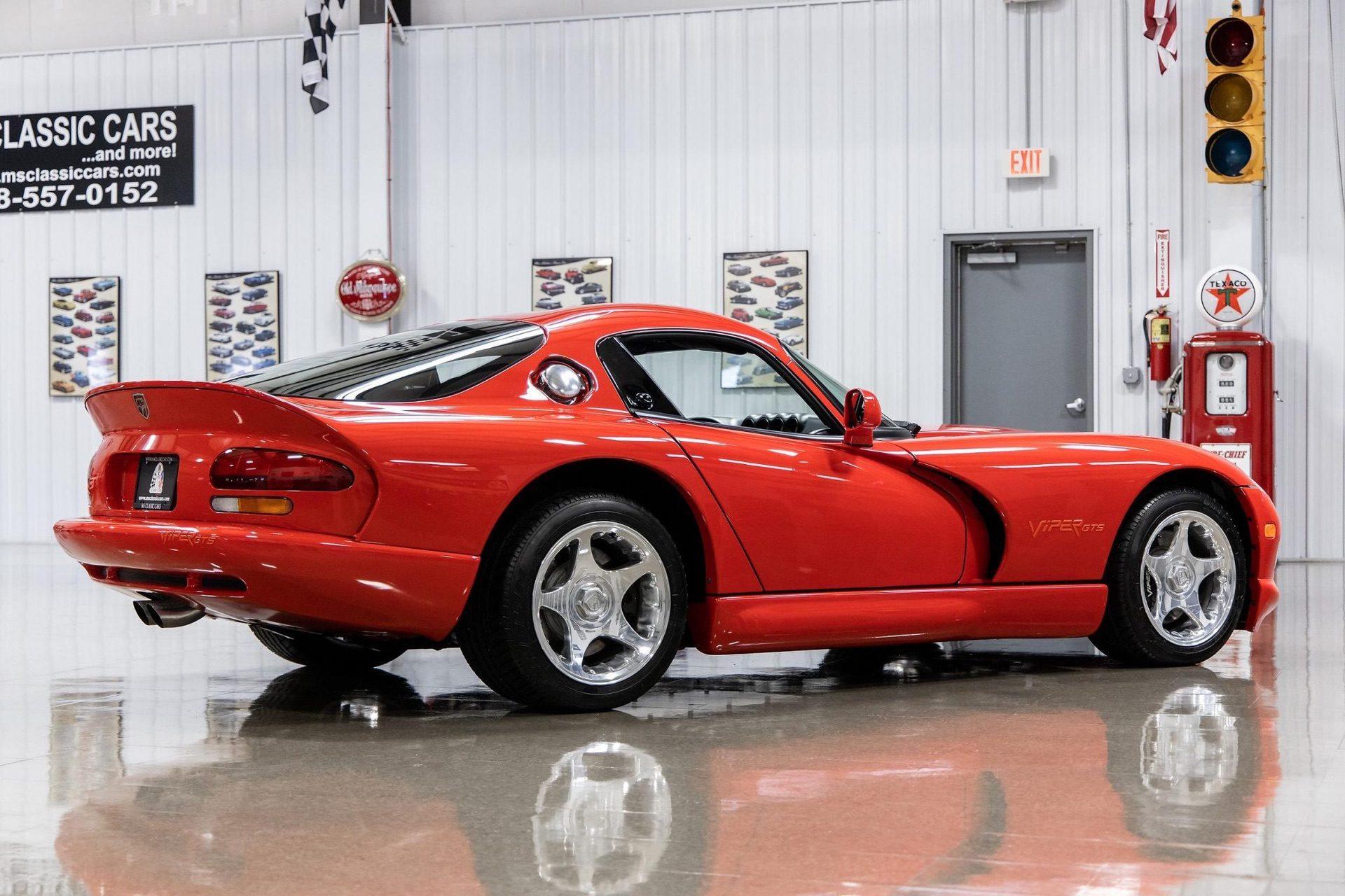1997–Dodge_Viper_GTS_sale_0024
