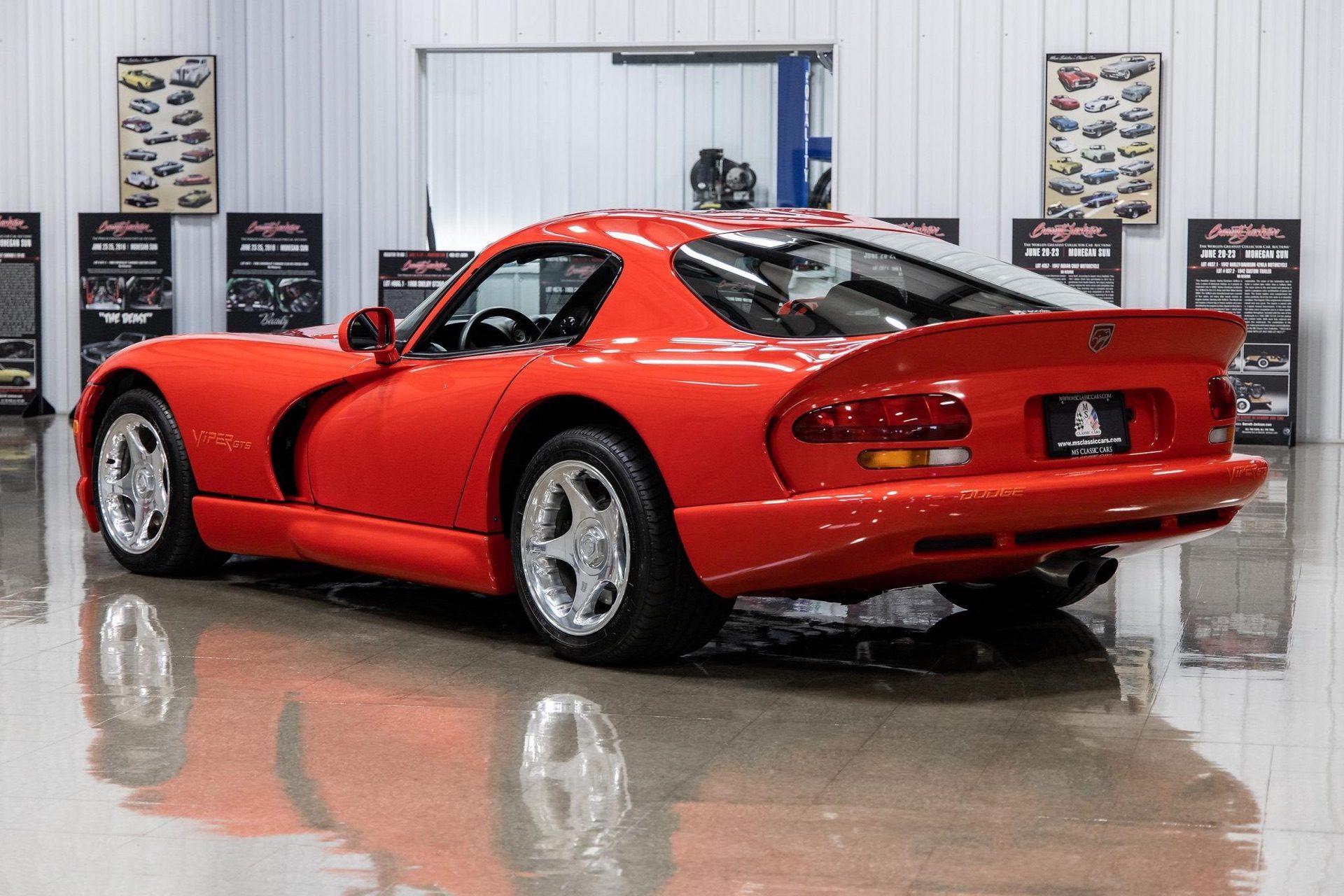 1997–Dodge_Viper_GTS_sale_0025