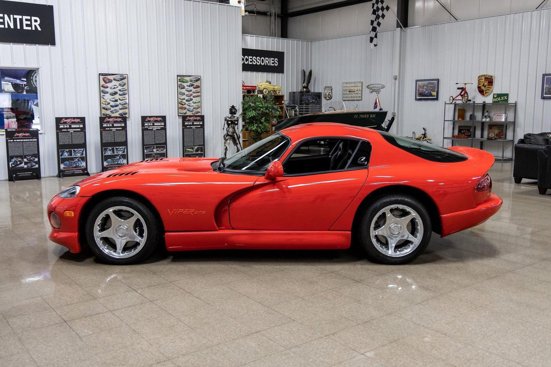 1997–Dodge_Viper_GTS_sale_0027