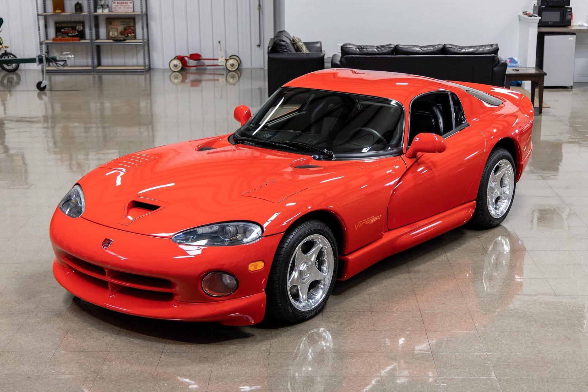 1997–Dodge_Viper_GTS_sale_0042