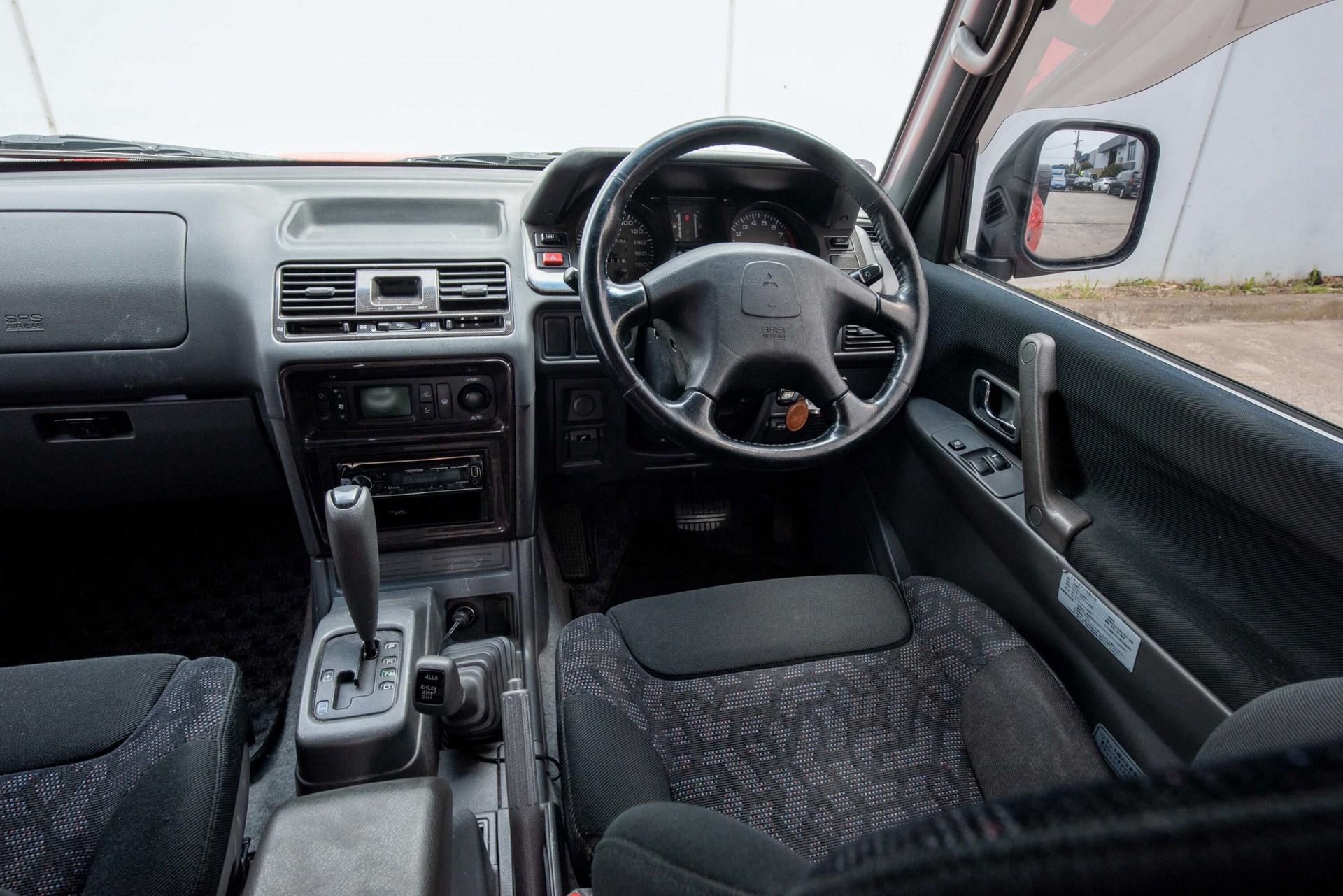 1997_Mitsubishi_Pajero_Evo_sale-0017