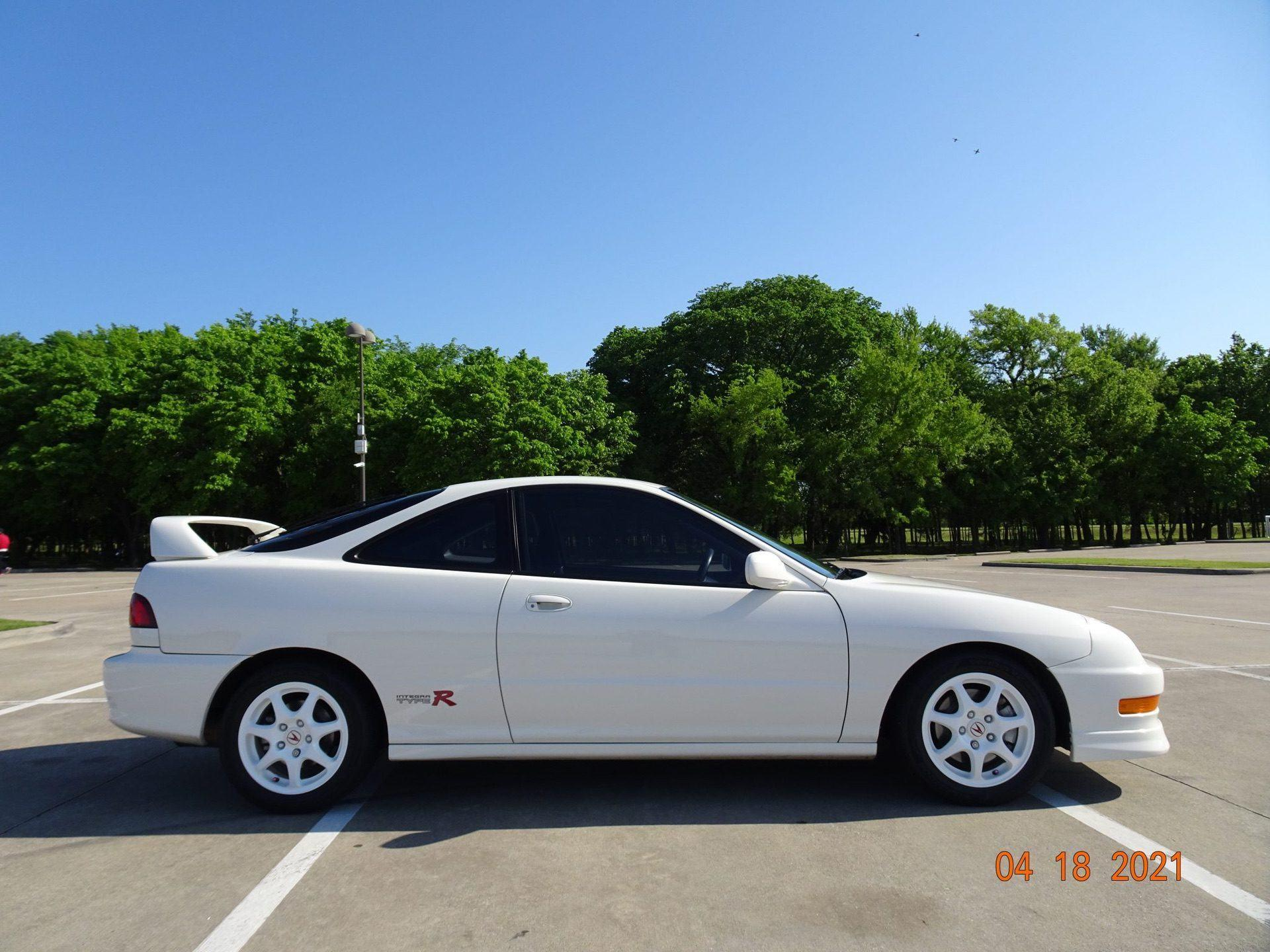 1998-Acura-Integra-Type-R-0001