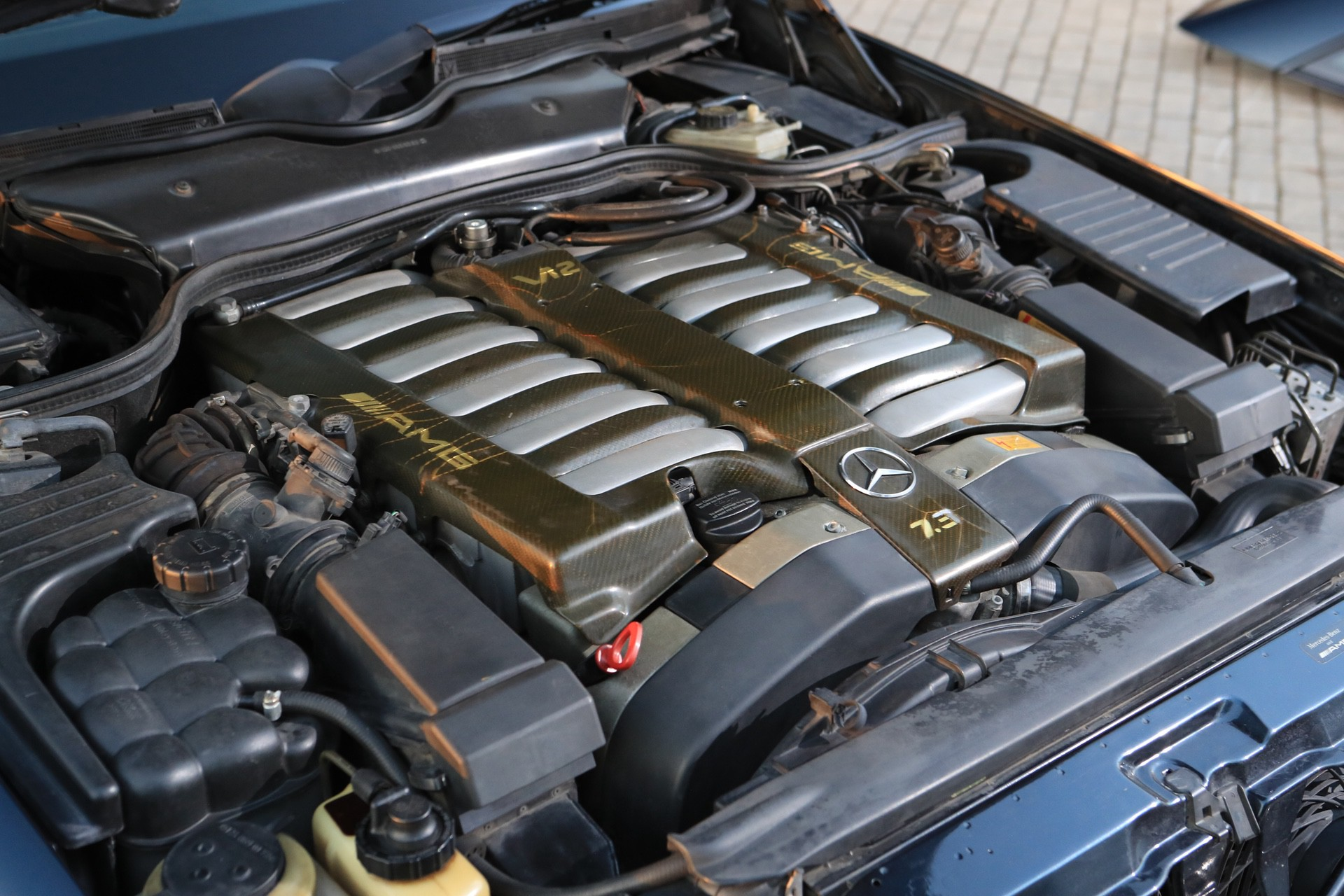 1999-Mercedes-Benz-SL-73-AMG-_2