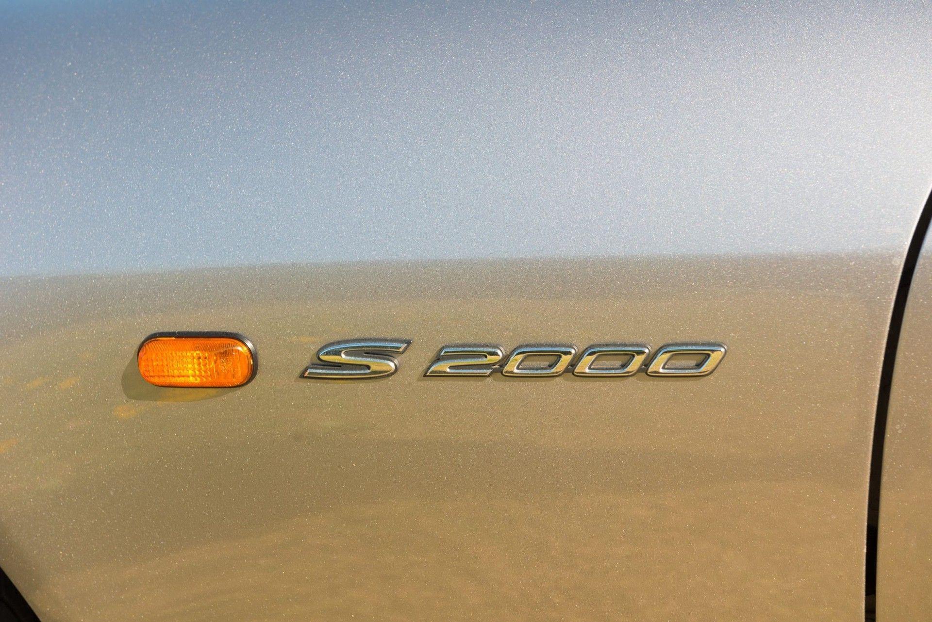2000_Honda_S2000_auction-0000