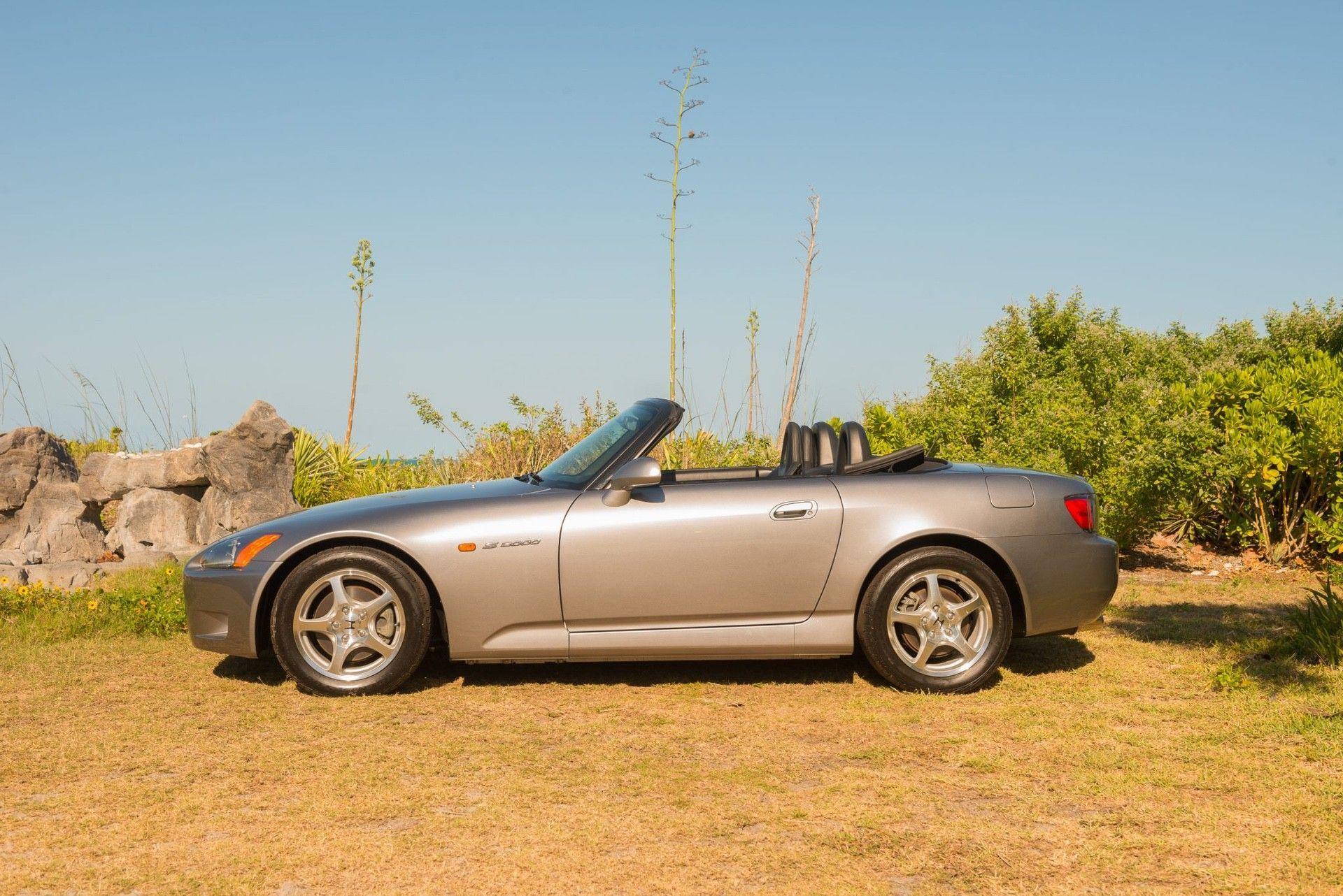 2000_Honda_S2000_auction-0003