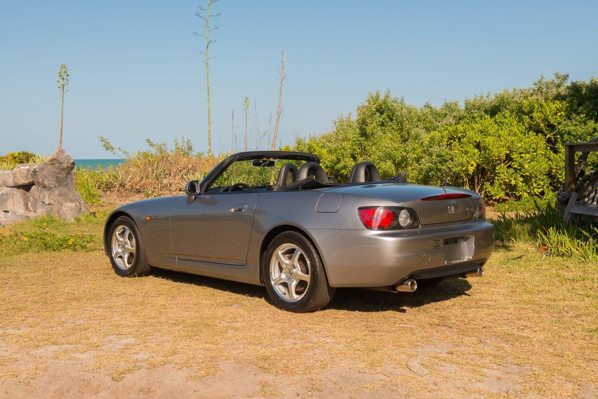 2000_Honda_S2000_auction-0004