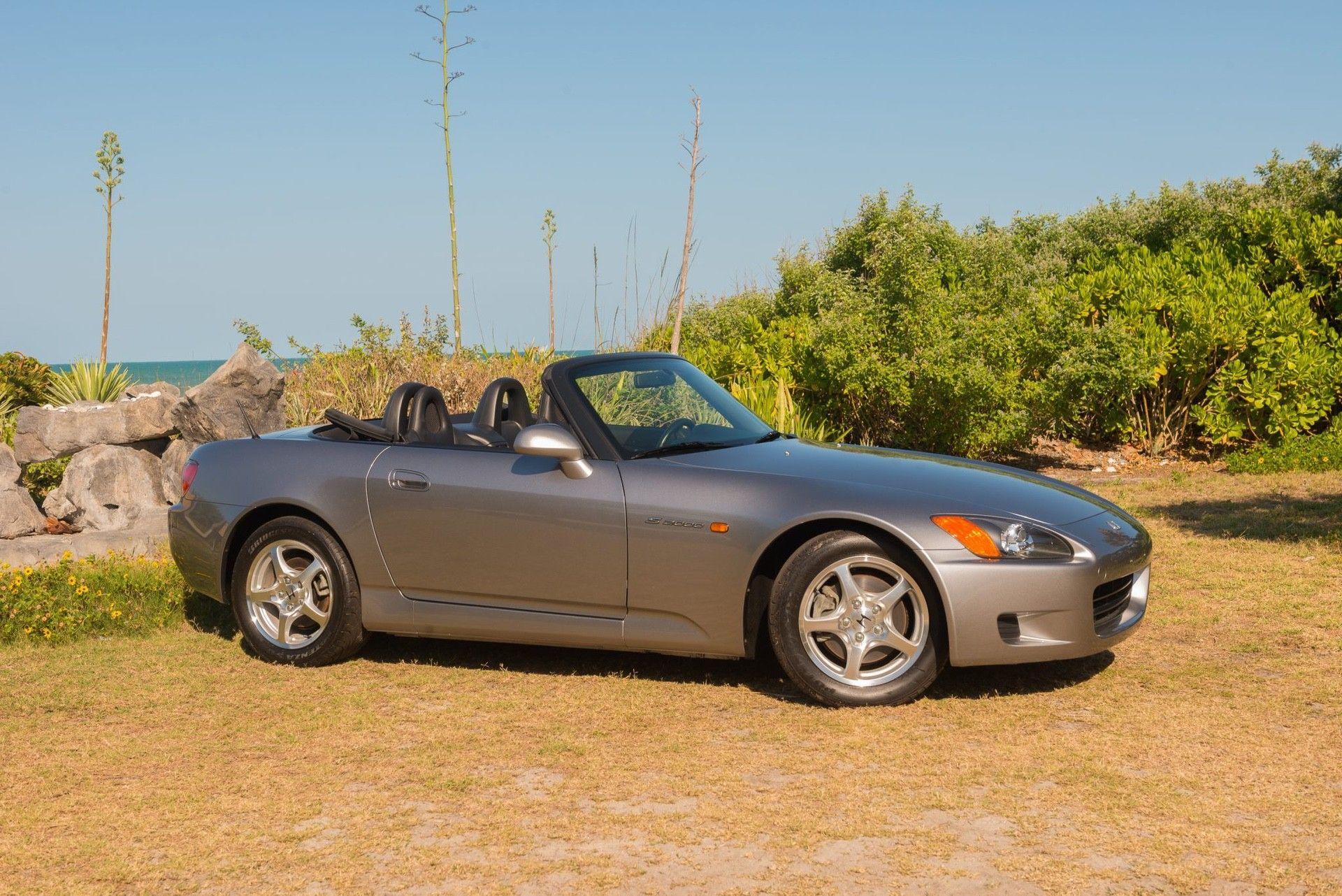 2000_Honda_S2000_auction-0023