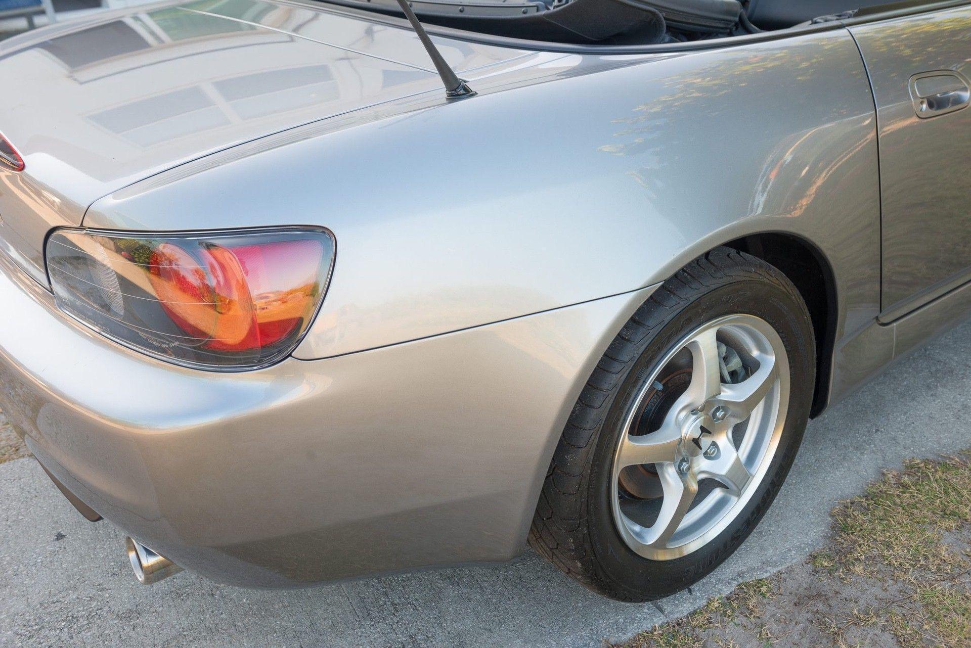 2000_Honda_S2000_auction-0027