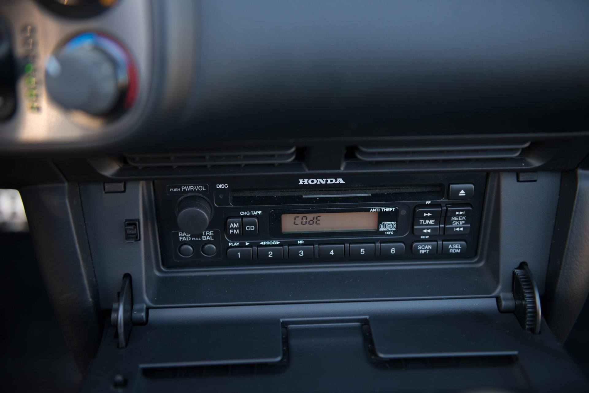 2000_Honda_S2000_auction-0031
