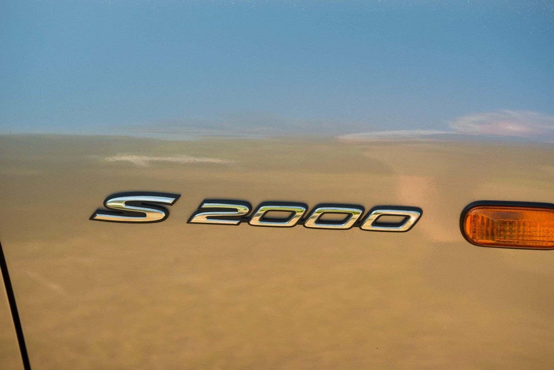 2000_Honda_S2000_auction-0033