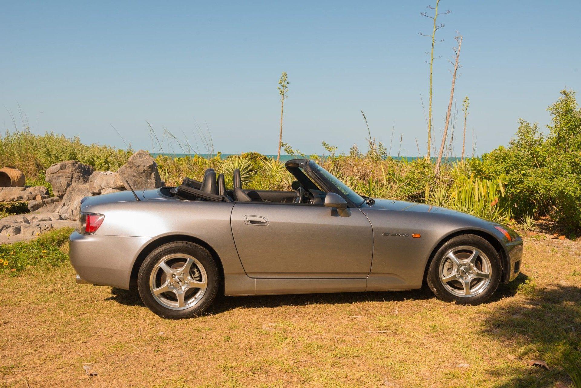 2000_Honda_S2000_auction-0039