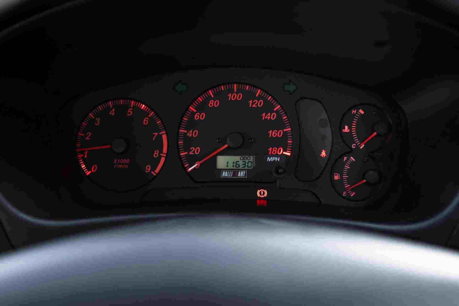 2000_Mitsubishi_Lancer_Evolution_VI_Tommi_Makinen_Edition_sale-0015