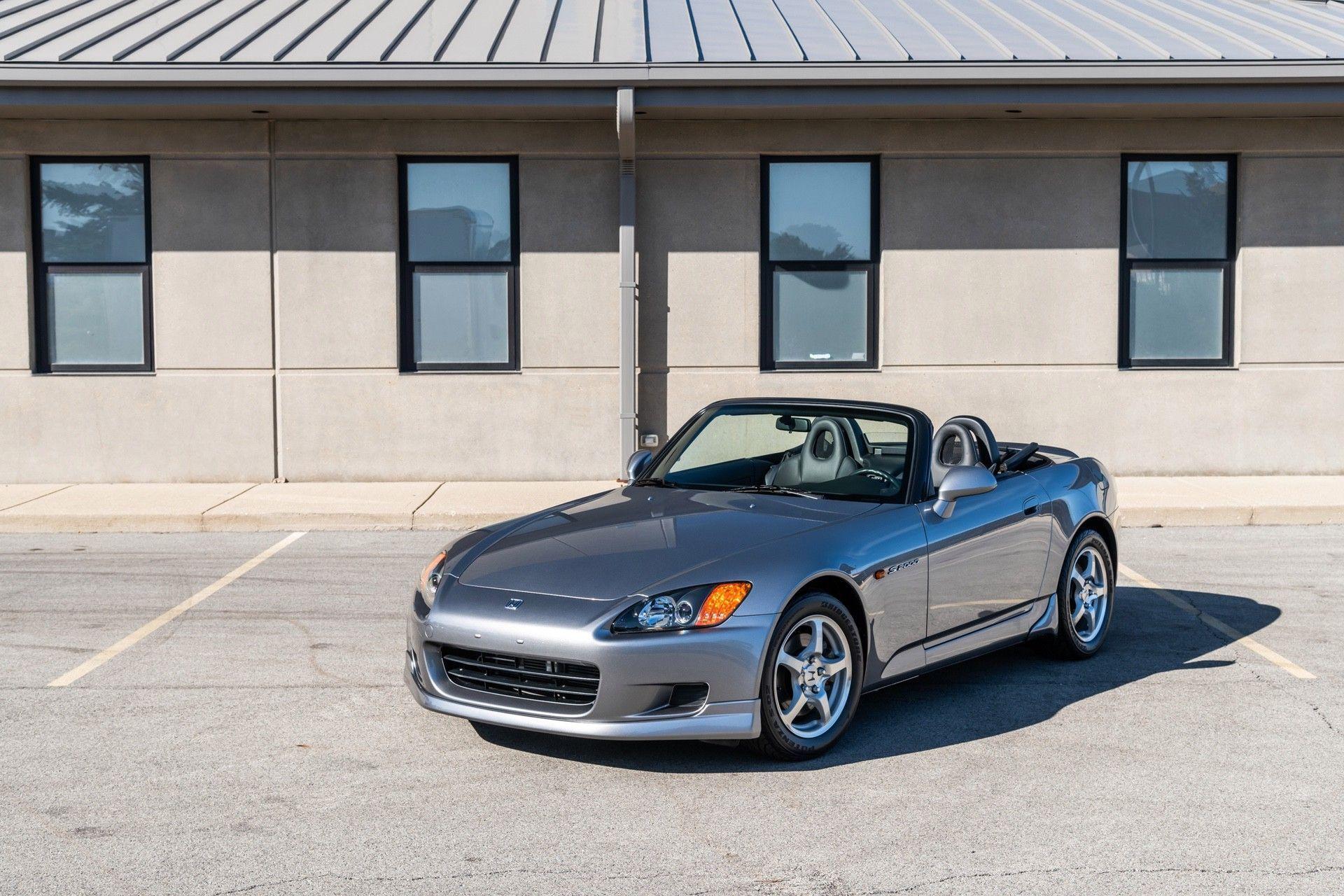 2001-Honda-S2000-0001