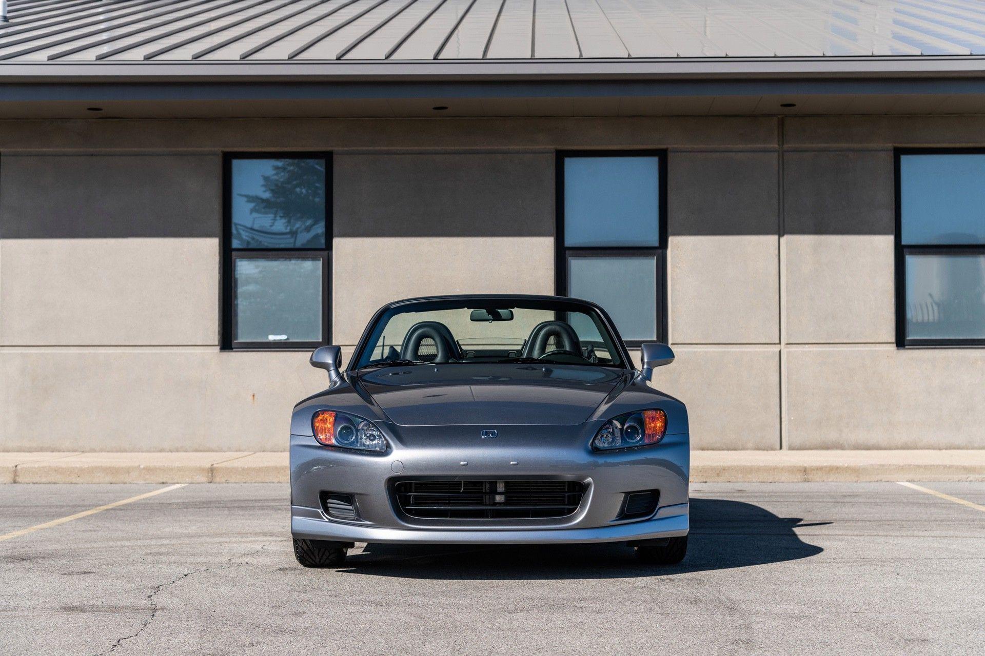2001-Honda-S2000-0002