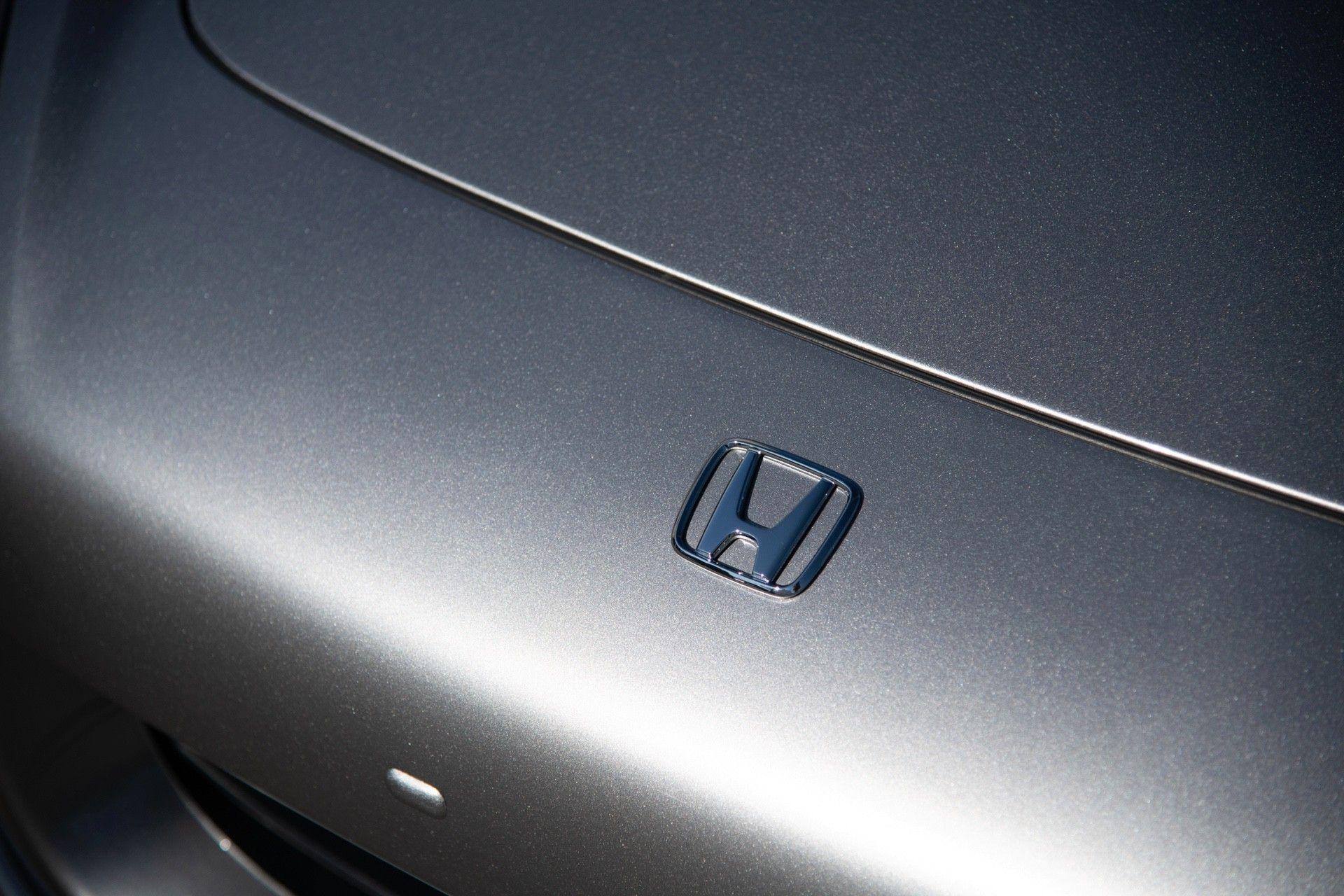 2001-Honda-S2000-0020
