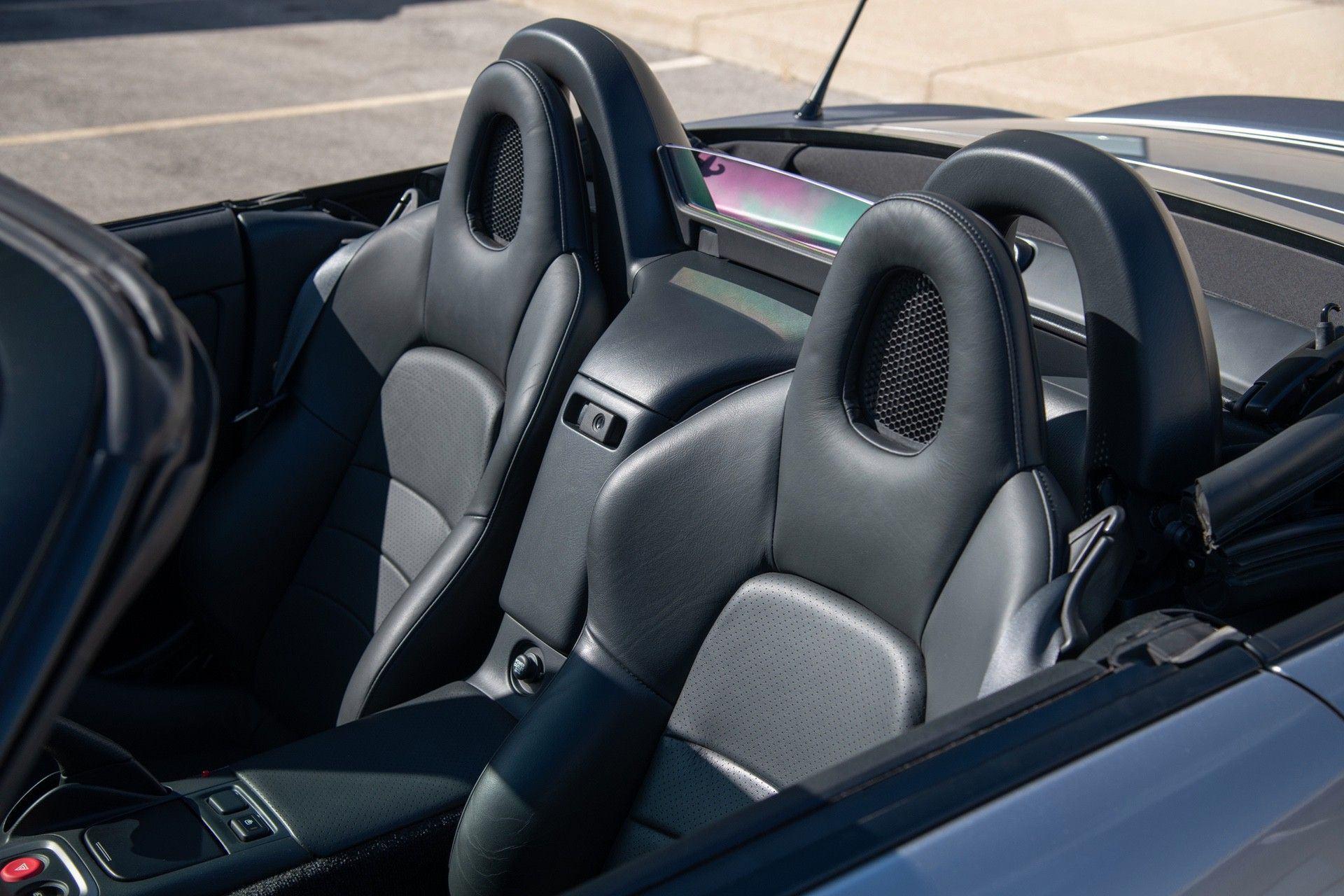 2001-Honda-S2000-0031