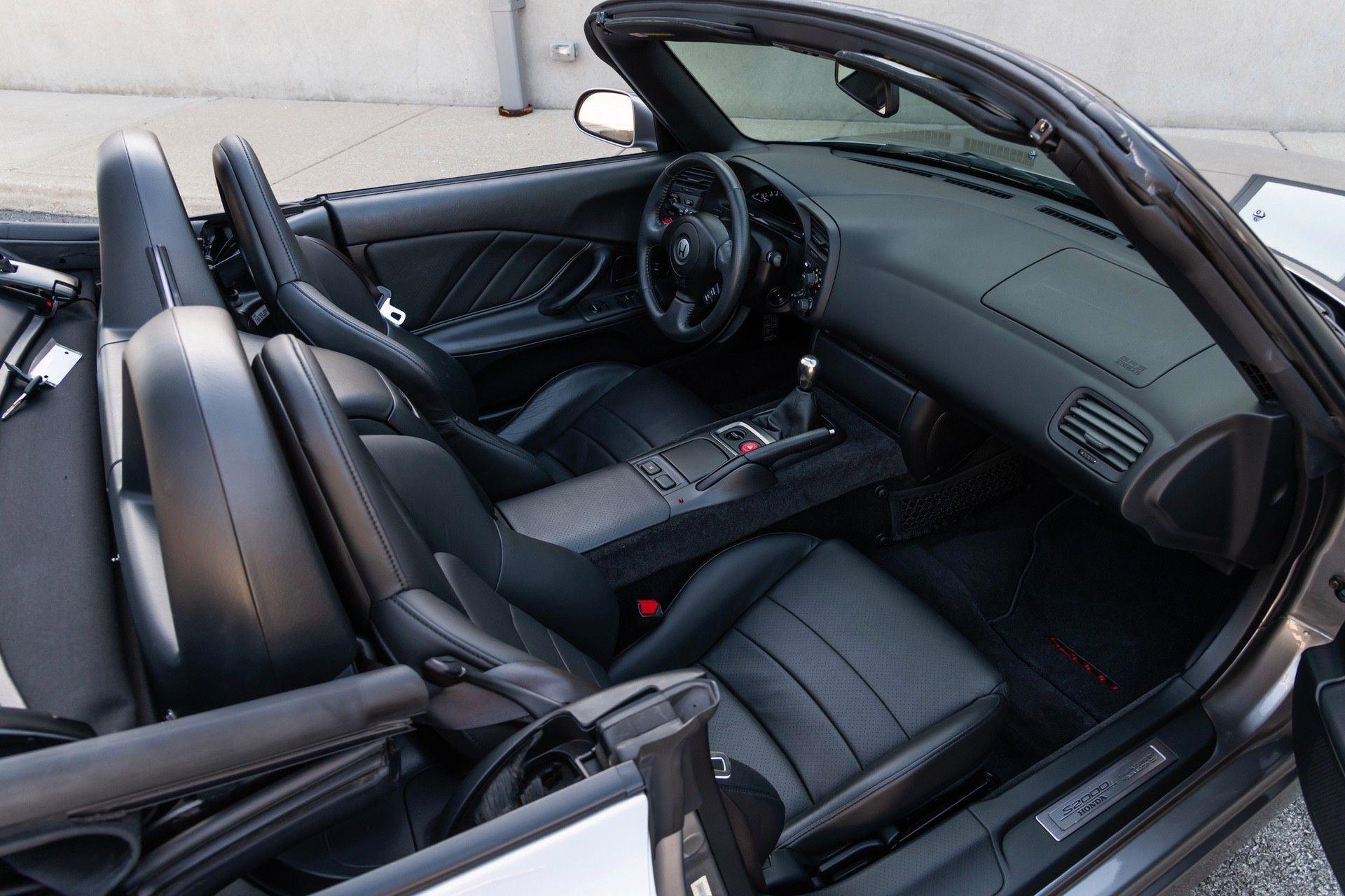 2001-Honda-S2000-0038