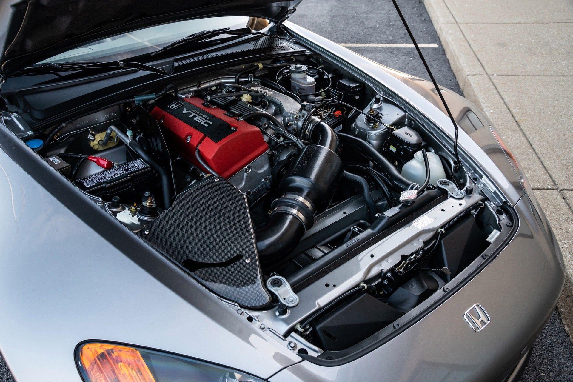 2001-Honda-S2000-0044