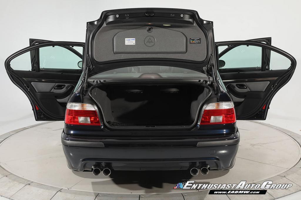 2003-BMW-M5-E39-37