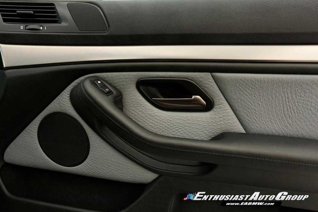 2003-BMW-M5-E39-39