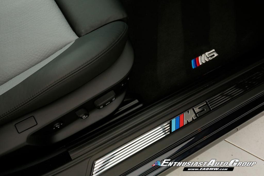 2003-BMW-M5-E39-40