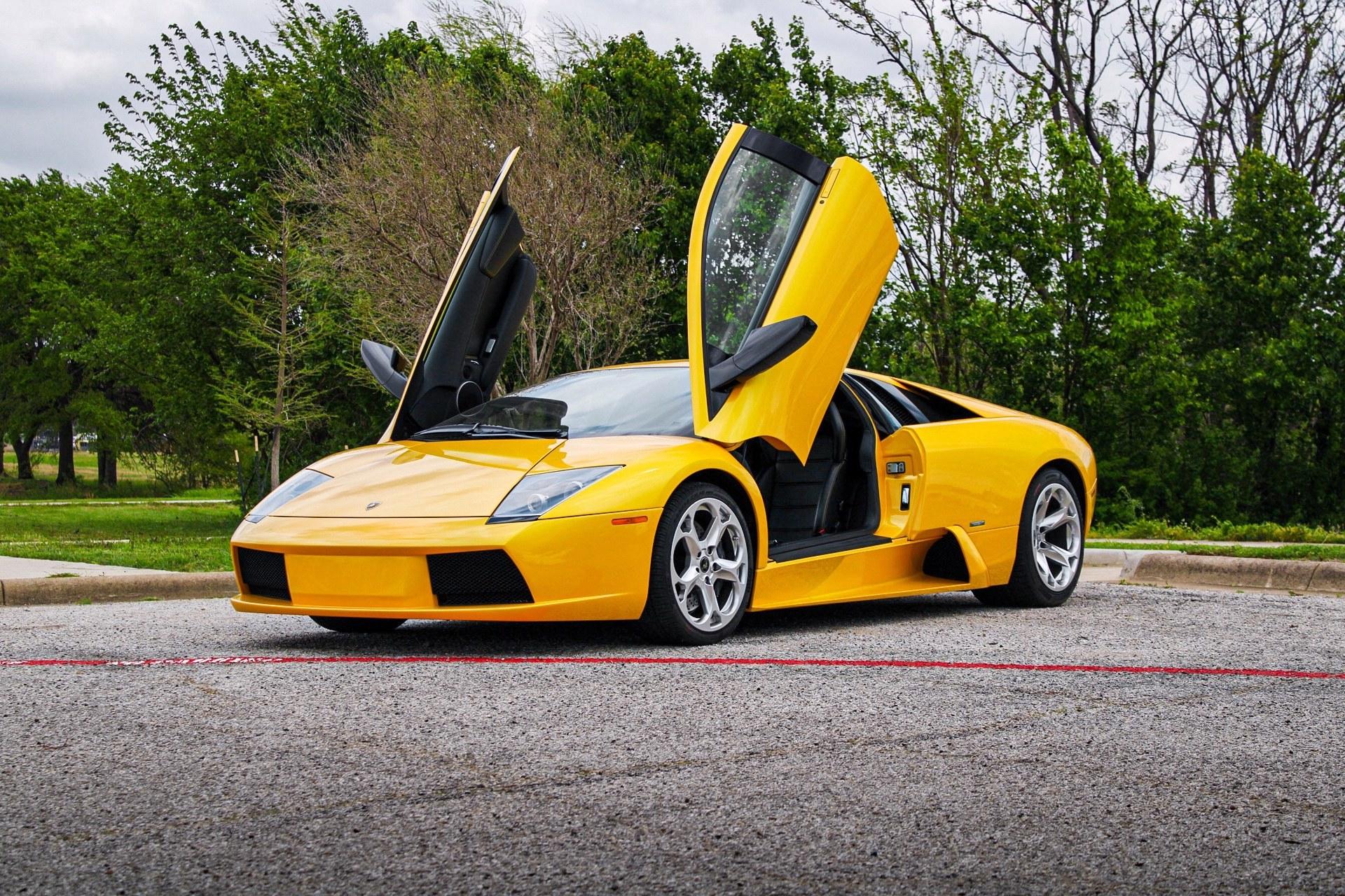 2003_Lamborghini_Murcielago_manual_0001
