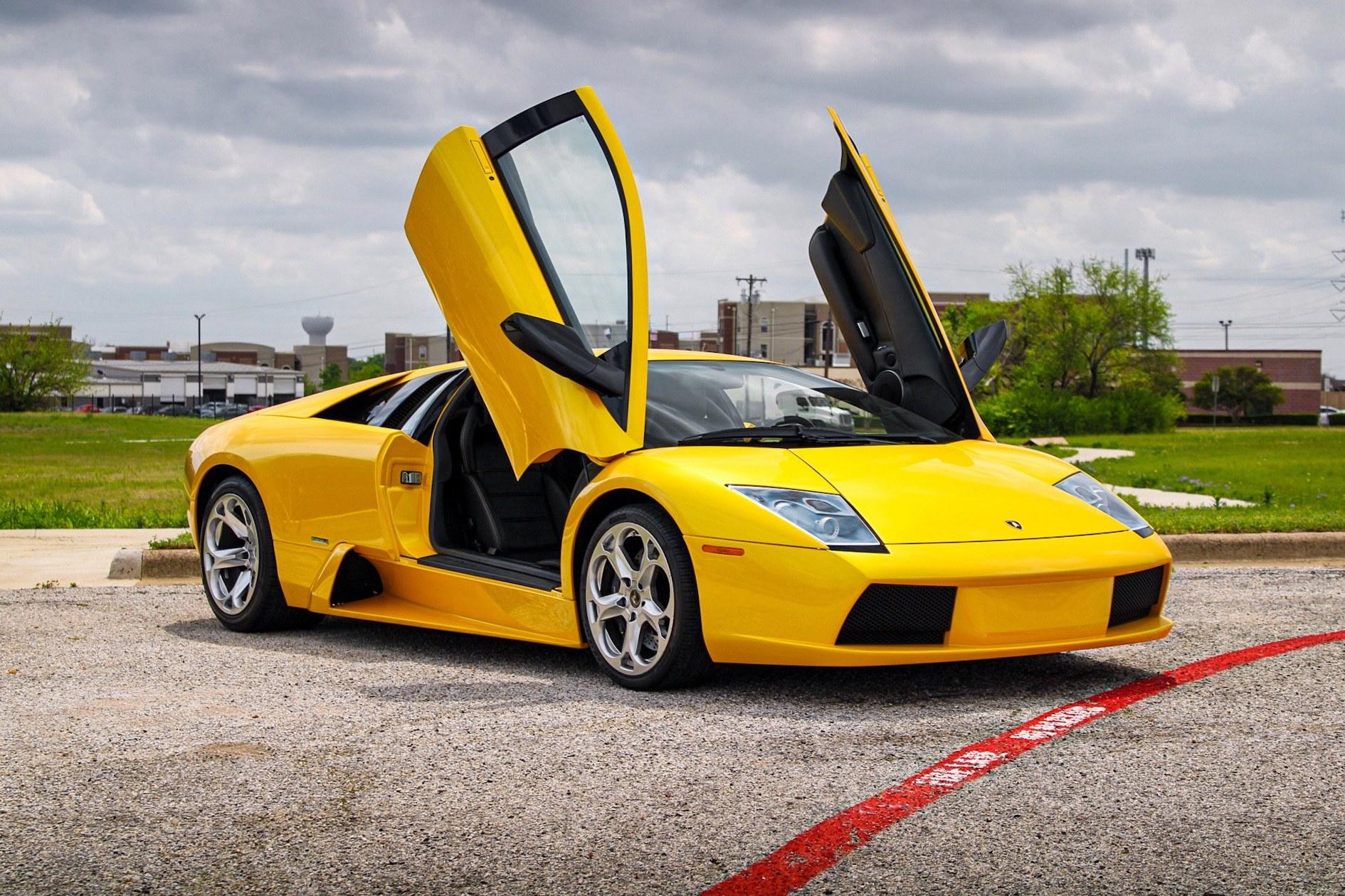 2003_Lamborghini_Murcielago_manual_0003